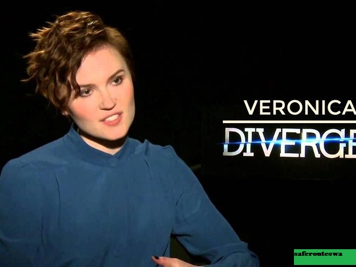 Veronica Roth Penulis Buku Divergent